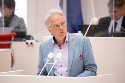 Pressebild Plenum Heiner Klemp