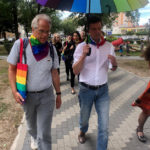 Heiner Klemp und Tomasz Anisko in Slubice auf dem Rainbow Walk.